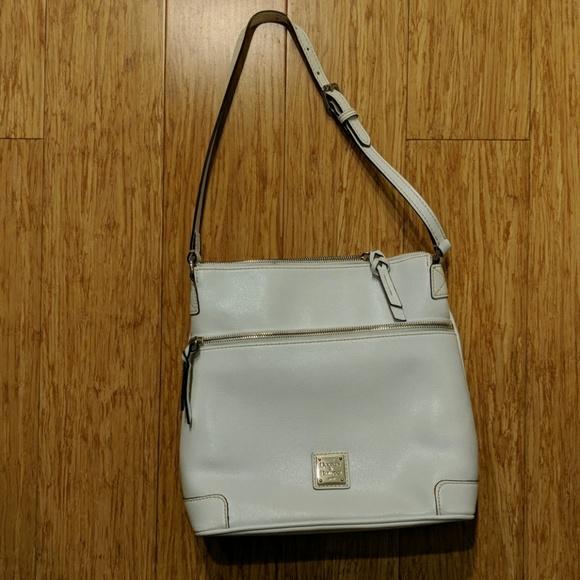Dooney & Bourke Handbags - Dooney & Bourke Purse